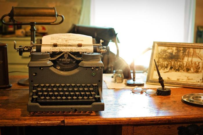 Typewriter, Jill Wellington